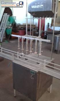 Envasadora linear com 6 bicos em inox Nocelli